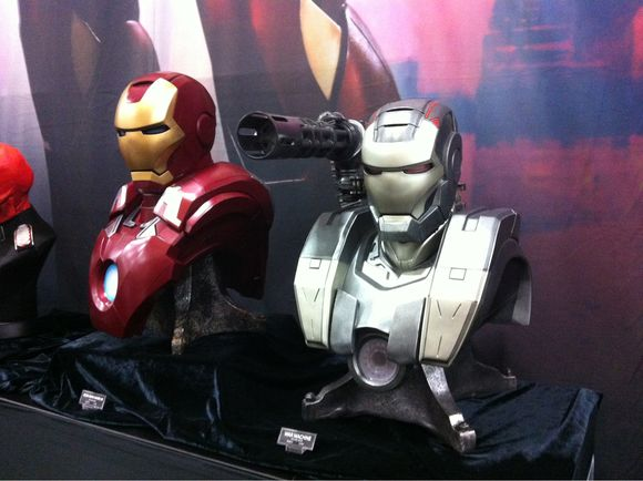 Sideshow Collectibles Busts and X-Men Figurines #sdcc